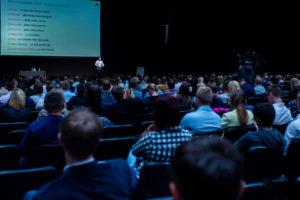 Adam Dębowski podczas konferencji